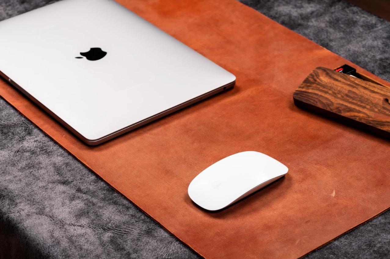 8 dovanos vyrams   verslo dovana naturalios odos ranku darbo laptop kompiuterio  padas stalo uztiesimas   56