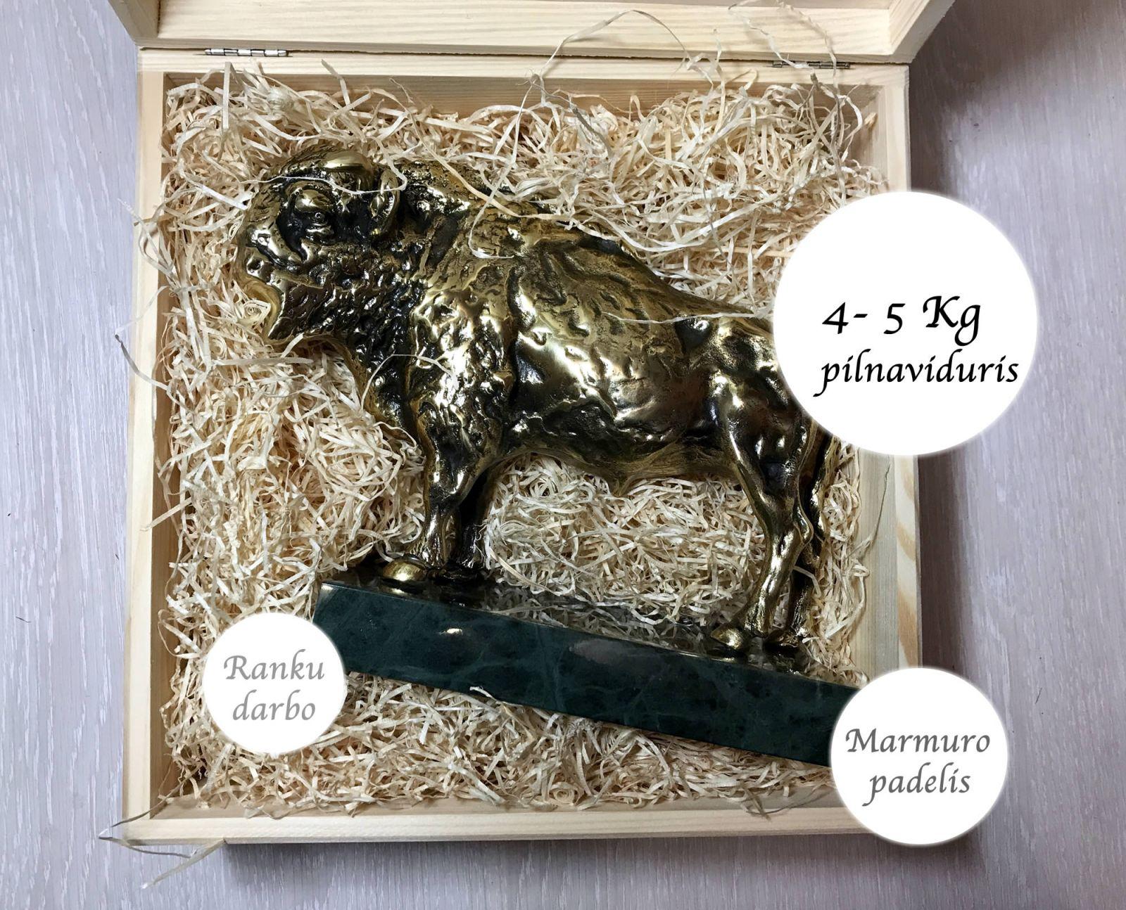 aukstos kokybes prabrangios verslo dovanos partneriams bronzinis varinis stumbras bizonas jautis101