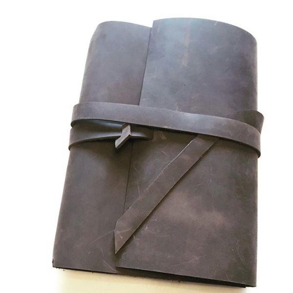 Retro odinė užrašinė | Darbo knyga | Darbo kalendorius + Įspausti inicialai - dovanos vyrams
