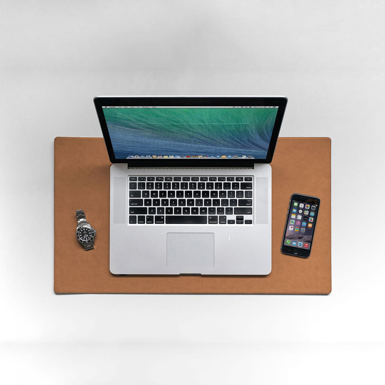 dovanos vyrams   verslo dovana naturalios odos ranku darbo laptop kompiuterio  padas stalo uztiesimas   in use3