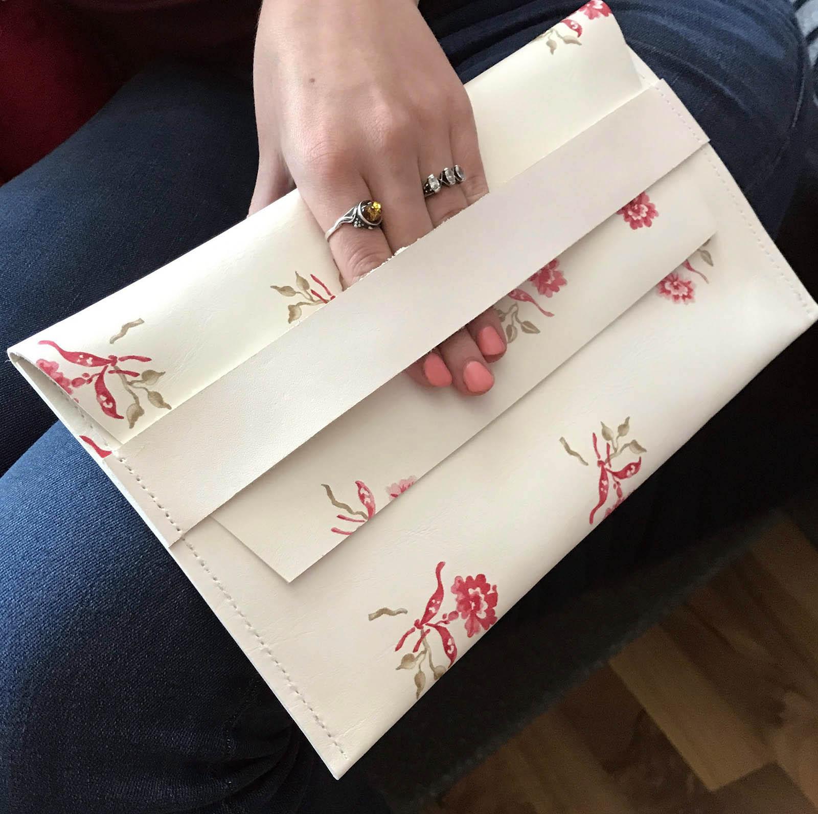 delnine rankine mini rankinukas vestuviu abituriantu  naturalios odos tase moterims  dovanos moterims merginai panelei   moteriskos tases is odos gimtadienio sukaktuviu proga 1