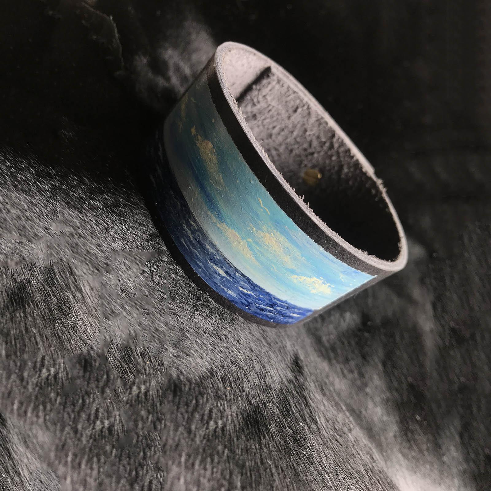 pilka melyna vyriska odine apyranke su piesiniu ranku dabo naturalio odos  vyrams apyranke dovanos vyrui vaikinui broliui gimtadienio proga ant kailio 14