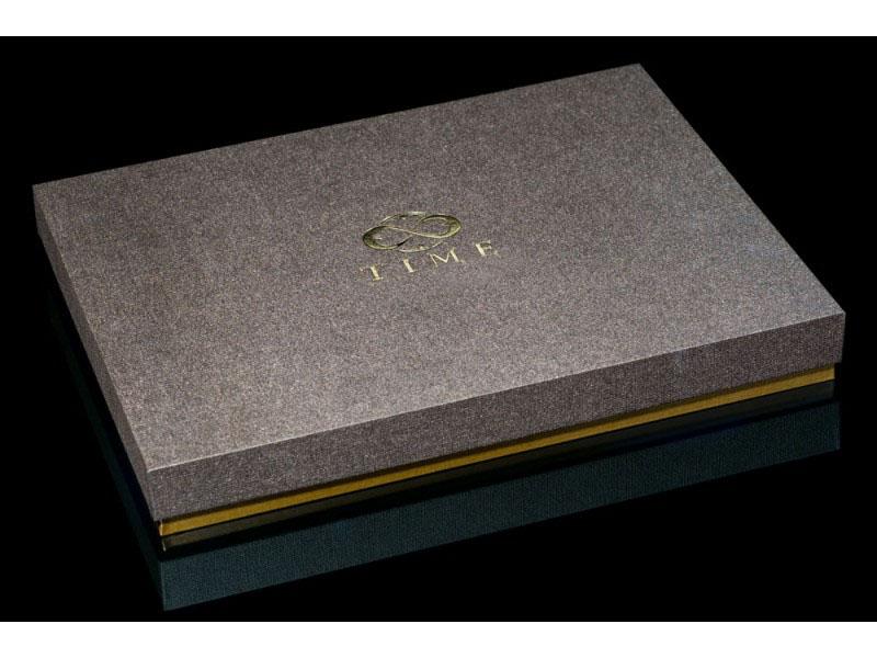 kartonine dezute vereslo dovanos prabangios brangios kaledines gimtadienio