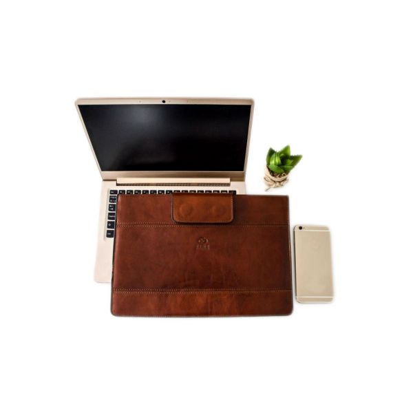 Odiniai Nešiojamų kompiuterių krepšiai, kompiuterio dėklai + Išgraviruoti inicialai - prabangios praktiškos dovanos vyrams